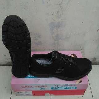 Sepatu Skechers Go Flex