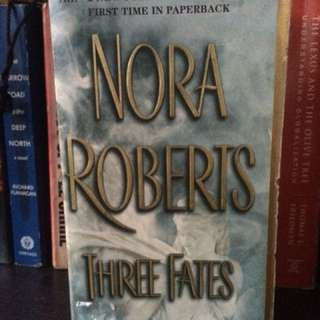 THREE FATES (Nora Roberts)
