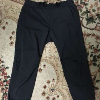 Uniqlo ez dry cropped pants S size