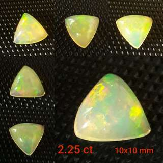 🎆Special Offer🎆 Very nice fire 2.25 ct size Ethopian Opal. Video clip available on my Face book. For Sale at just SG$68.