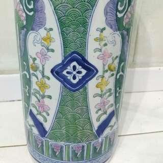 $20 : Vintage Porcelain Floor Vase