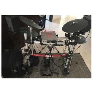Yamaha DTXPRESS III Electronic Drums