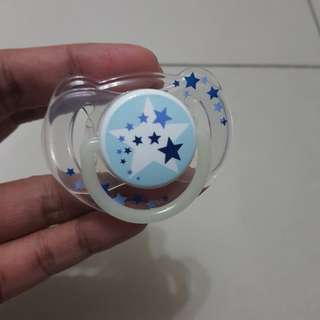 Avent pacifier/ puting (6-18months)