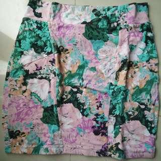preloved rok mini merek cotton on size kira2 M ato L