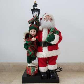 Big animated Holiday Scene Santa Claus Display