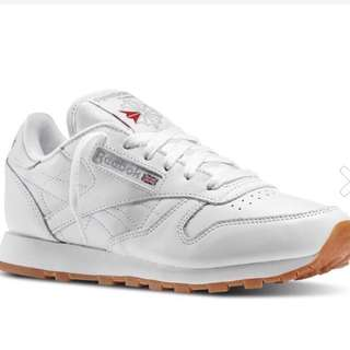 LOOKING FOR REEBOK CLASSIC SIZE 10