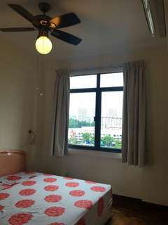 CHINESE GDN MRT CONDO MASTERBEDROOM FOR RENT