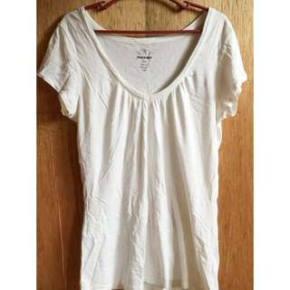 Old navy Basic vneck shirt