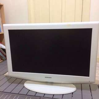 "Samsung 32"" LCD TV - White"