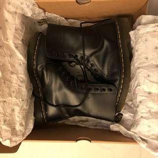 Dr.martens 經典10孔黑色皮鞋 **超新淨**
