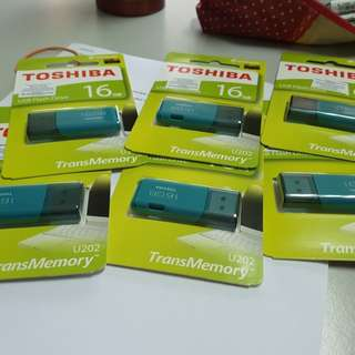 USB Pendrive 16 GB & 32 GB. Inclusive movies & videoclips