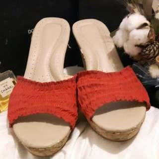 🚚 VIINA真皮楔形高跟鞋