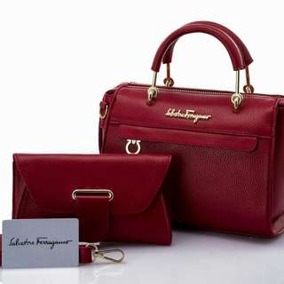SaLvatore Ferragamo. Series   09FS1259. Share Price IDR   240. Measurements Bag          22x20 cm. Pouch      19x11 cm. Weights   0.7 kg. Semipremium Quality. Pengiriman dari batam