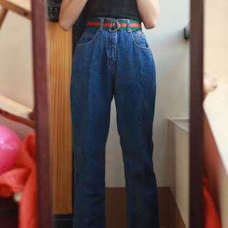 HIGHWAIST MOM JEANS/ BOYFRIEND JEANS