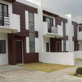 Townhouses For Sale The Villas at Dasmarinas Highlands Cavite Along The Highway Aguinaldo