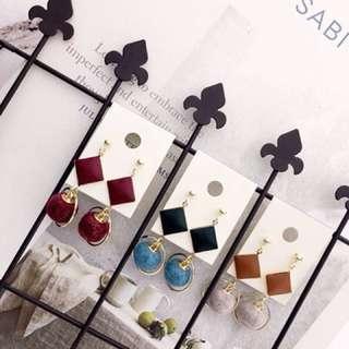 🚚 ✅正韓版時尚毛球皮革耳環