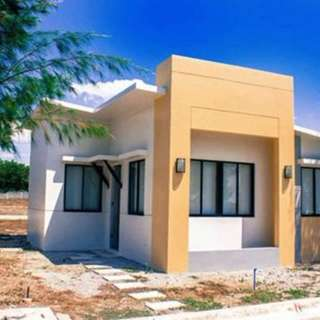 Single Attached Houses For Sale In Pineview Futura Homes Tanza Cavite