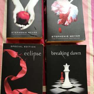 BOOKS - STEPHENIE MEYER