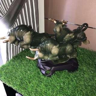 Rare 3 Liu Li charging bull