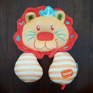 Lucky baby Logan lion support pillow