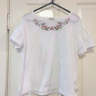 DISCOUNTED Floral embroidered tshirt