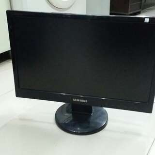 Monitor LCD Samsung 19 inch bagus, siap pakai