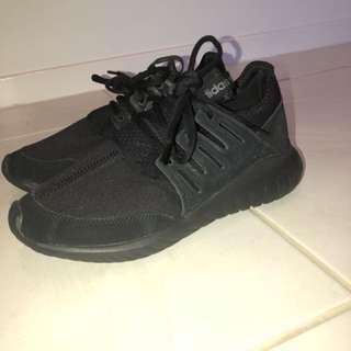 Adidas tubular radial black/black