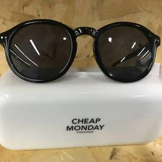 Cheap Monday classic Sun -glasses 太陽眼鏡