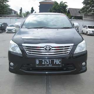 2012 Innova G AT Hitam
