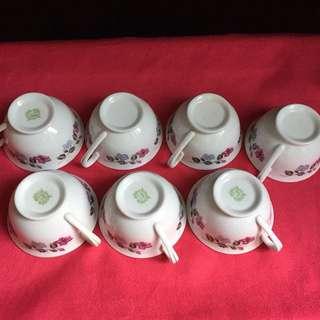 Porcelain teacups x7