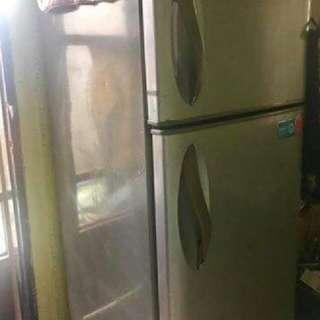 Refrigerator (LG) For SALE RUSH