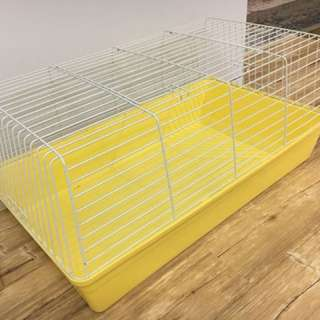 Clean and excellent condition cage (rabbit/guinea pigs)