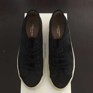 Common Projects Tournament Low Suede (Dark Navy)