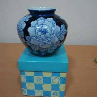 Small Vase h 9.5cm x d10.5 cm