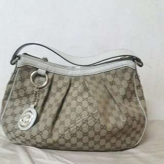 REDUCED Gucci shoulder bag.  100% authentic.