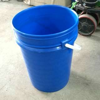 Blue Chemical Pails with Cover