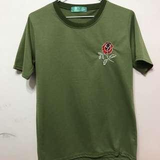 綠色刺繡玫瑰上衣
