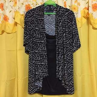 Black and white printed top XXL