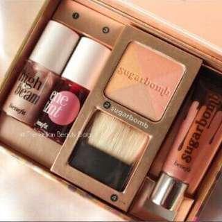 Complete set of make up