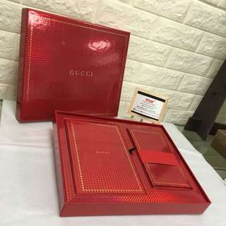 Gucci red pocket + note book