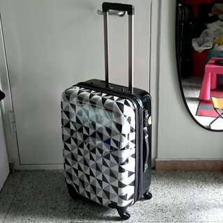 """(*Defects) 25"""" Spin 4 Wheels Luggage Case"""