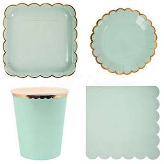 Pastel Green Party Serveware Package ( 8 x 7″ Small plates, 8 x 9″ Large plates, 8 x cups, 20 x napkins)