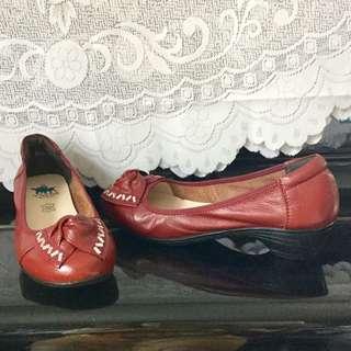 Maroon pump / court shoe size 39/8