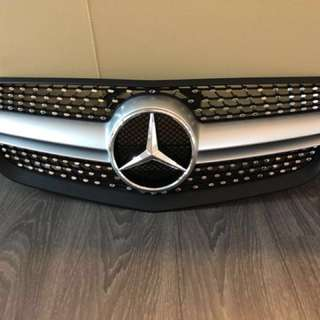 Mercedes Benz E class, grill W212