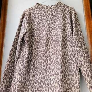 Leopard long neck
