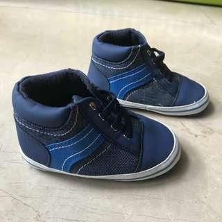 Mother care baby boy shoes sz 19/13cm, 1x pakai.