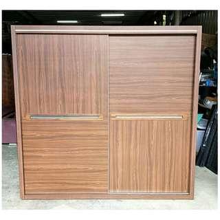 二手家具全省收購(大台北冠均 五股店)二手貨中心--時尚俐落溫馨高質感衣櫃 衣櫥 7尺衣櫃E-110306