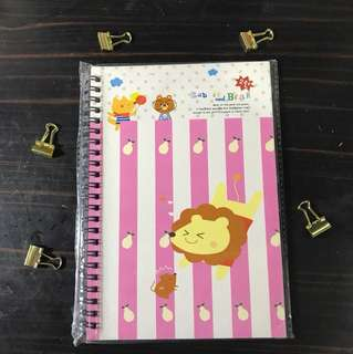 Lion notebook (buku catat)