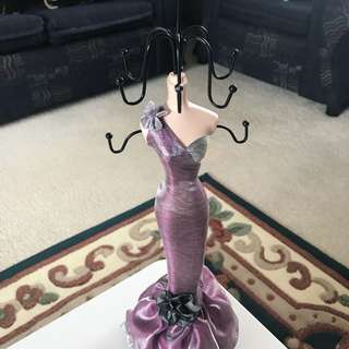 Elegant jewellery stand