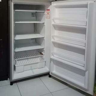 Freezer merk Aqua AQF-S4(S)
